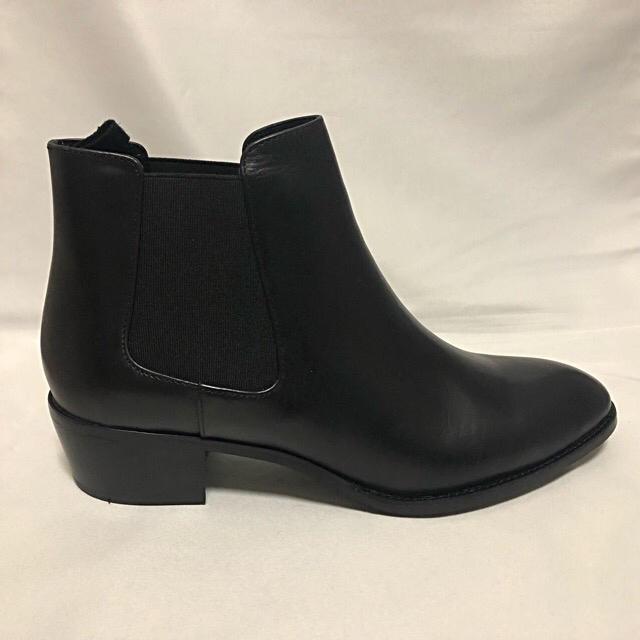Odette e Odile(オデットエオディール)の新品未使用 オデットエオディール 本革サイドゴアブーツ レディースの靴/シューズ(ブーツ)の商品写真