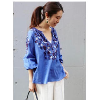 IENA - IENAエンブロイダリーシャツ♡ブルー♡IENASLOBE