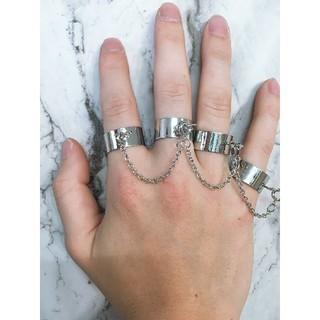 フリーサイズ チェーン付き 4連リング 指輪 シルバー(リング(指輪))