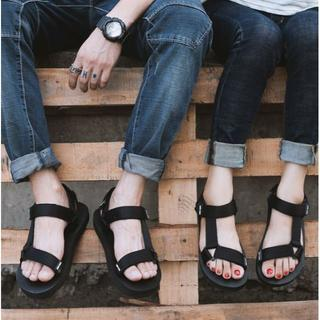 男女兼用サンダル ペタンコ ビーチ 歩きやすい 黒 37-40 サイズまで(サンダル)
