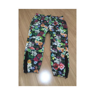ヨウジヤマモト(Yohji Yamamoto)のヨウジヤマモト コットンギャバ花柄パンツ(ワークパンツ/カーゴパンツ)