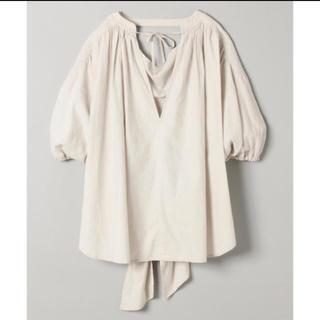 ジーナシス(JEANASIS)のバックリボンリネンシャツ(シャツ/ブラウス(半袖/袖なし))