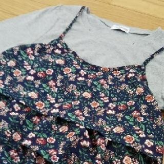 花柄キャミソール & Tシャツ