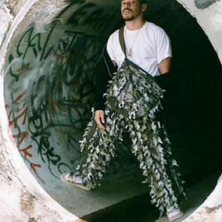 バレンシアガ(Balenciaga)のウルトラオリーブ ULTRA OLEVE GR8 パンツ(ワークパンツ/カーゴパンツ)