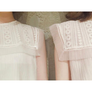 flower - flower lace pleats blouse