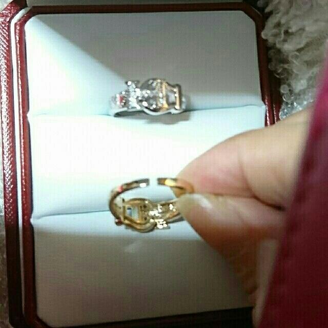 プラチナ色×ジルコニア  新品未使用  リング レディースのアクセサリー(リング(指輪))の商品写真