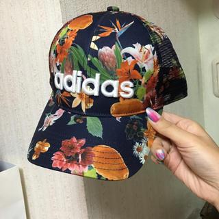 adidas - アディダス 新品 花柄キャップ