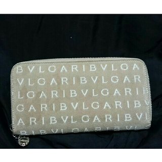 ブルガリ(BVLGARI)のBVLGGARI ラウンドファスナー長財布(長財布)