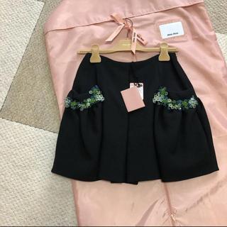 miumiu - 新品未使用❗️miumiu ミュウミュウ ビジュー付き ミニスカート サイズ36