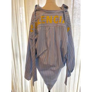 バレンシアガ(Balenciaga)のmiyuki様専用 ニュースウィングシャツ ブラウス ロゴ (シャツ/ブラウス(長袖/七分))