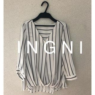 INGNI - 新品タグなし★ I N G N Iイング★トロミタックVネックブラウス