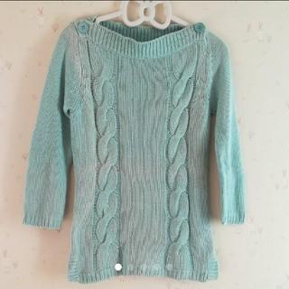 ライトグリーンセーター