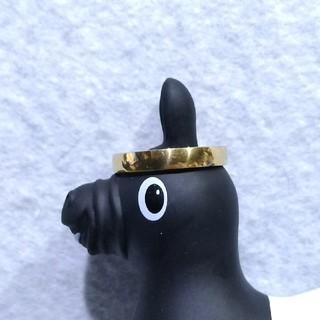 ステンレスゴールドの指輪25号と45cmのステンレスゴールドのネックレス付き(リング(指輪))