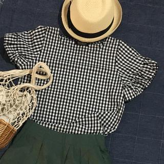 ジーユー(GU)の新品 しまむら 袖フリルシャツ  (シャツ/ブラウス(半袖/袖なし))