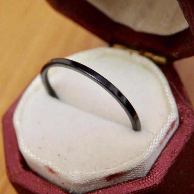 即購入OK♡ステンレス製シンプル華奢ブラックカラーリング指輪大きいサイズ レディースのアクセサリー(リング(指輪))の商品写真