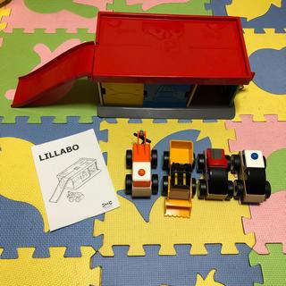 イケア(IKEA)のイケア 車 ガソリンスタンド ガレージ(電車のおもちゃ/車)