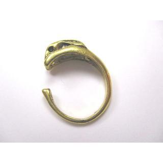 【新品】金色うさぎの指輪 フリーサイズ【送料込み】【輸入雑貨】(イヤリング)