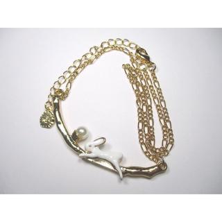 【新品】白うさぎのネックレス【送料込み】【輸入雑貨】(ネックレス)