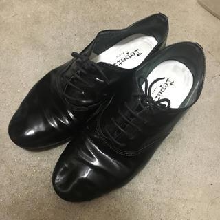 レペット(repetto)のrepetto zizi 38 エナメル黒 (ローファー/革靴)