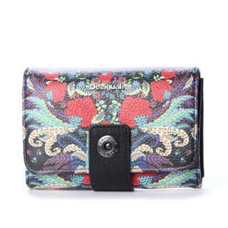 デシグアル(DESIGUAL)の新品 定価7900円 デシグアル 財布 ブラック柄 大幅値下げ‼️(財布)