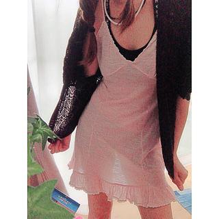 シェル(Cher)のシェル 薄ピンクワンピ ドルマン編み込みカーデ セット(ミニワンピース)