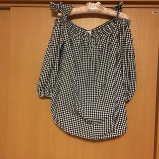 ギャップ(GAP)のGAP 新品オフショルダートップス(シャツ/ブラウス(半袖/袖なし))