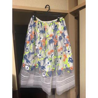 チェスティ(Chesty)のチェスティ 刺繍 スカート(ひざ丈スカート)