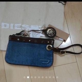 ディーゼル(DIESEL)の新品 DIESEL ポーチ デニム地 スタッズ パスポートケース(ポーチ)