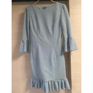 デイジーストア(dazzy store)のスカイブルー フリルタイトドレス (ひざ丈ワンピース)