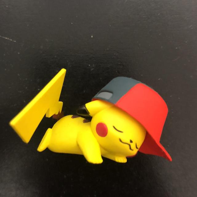 帽子をかぶったピカチュウ フリマアプリ ラクマ