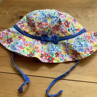 バーニーズニューヨーク(BARNEYS NEW YORK)の女の子 ボーシ  ヒモ付き 6-12m(帽子)