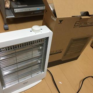 ヤマゼン(山善)の山善 電気ストーブ(800W/400W 2段階切替) ホワイト DS-K081(電気ヒーター)