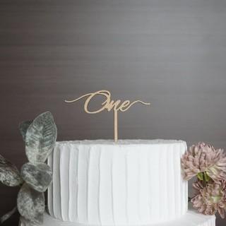 ファミリア(familiar)のケーキトッパー one 一歳 アニバーサリー 記念日 誕生日(その他)