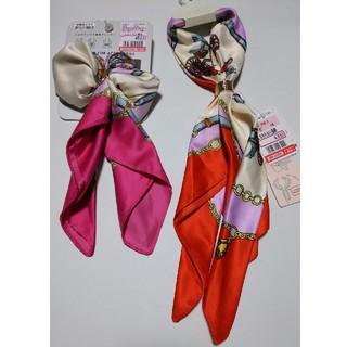 シマムラ(しまむら)のスカーフ2枚セット 馬車柄 ピンク&オレンジ(バンダナ/スカーフ)