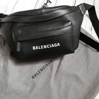 バレンシアガ(Balenciaga)のBALENCIAGA ショルダー ボディバック エブリデイ(ボディーバッグ)
