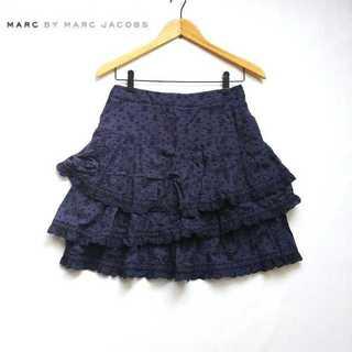 マークバイマークジェイコブス(MARC BY MARC JACOBS)のマークバイマークジェイコブス★スカル刺繍ティアードデザインフレアスカート 2 紺(ひざ丈スカート)