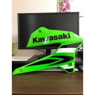 カワサキ(カワサキ)のKLX250 インジェクション シュラウド左右セット(車外アクセサリ)