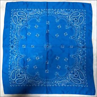 ローリーズファーム(LOWRYS FARM)の美品 サテン バンダナ ブルー(バンダナ/スカーフ)