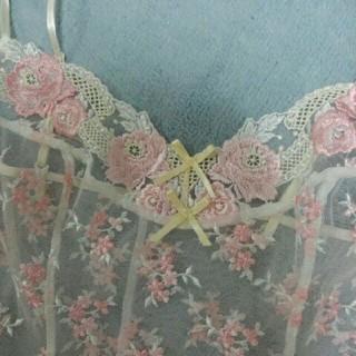 ワコール(Wacoal)の新品WacoalワコールPARFAGE妖精の様な薔薇と小花の刺繍キャミソール80(その他)
