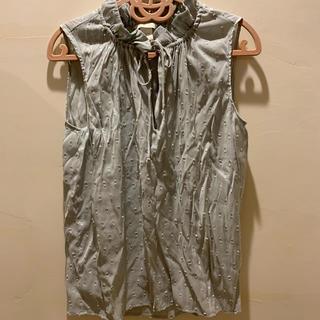 エイチアンドエム(H&M)のH&M ノースリーブ トップス (シャツ/ブラウス(半袖/袖なし))
