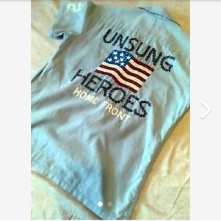 アヴィレックス(AVIREX)のAVIREX デニム色 刺繍シャツ(Tシャツ(半袖/袖なし))