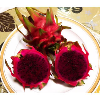 スーパーフード!美容と健康に!話題の沖縄産ドラゴンフルーツ レッド 赤果肉(フルーツ)