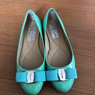 サルヴァトーレフェラガモ(Salvatore Ferragamo)のフェラガモ 靴(バレエシューズ)