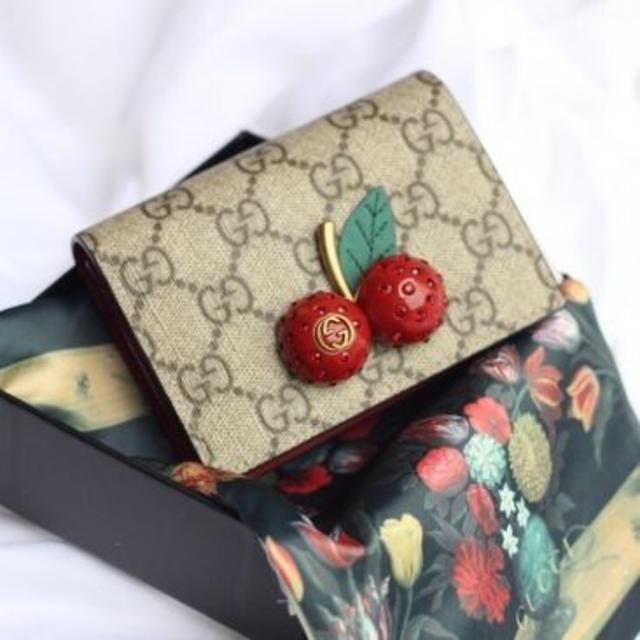 Gucci - 新品  GUCCI チェリー二つ折り財布の通販 by enny's shop|グッチならラクマ