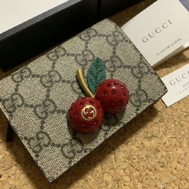 Gucci - 大人気  GUCCI  グッチ   折り財布の通販 by リヘナ's shop|グッチならラクマ