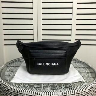 バレンシアガ(Balenciaga)の☆新作☆新品・未使用バレンシアガ レザー ボディバッグ(ボディーバッグ)