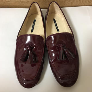 ザラ(ZARA)のエナメル ローファー(ローファー/革靴)