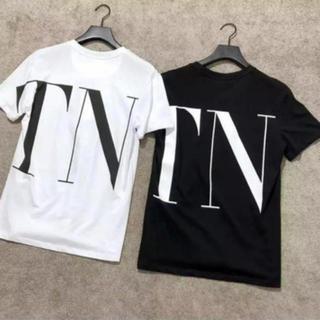 ヴァレンティノ(VALENTINO)のホワイトのみ VLTN ロゴ オーバーサイズ Tシャツ(Tシャツ(半袖/袖なし))