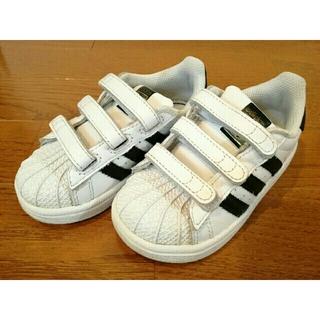 アディダス(adidas)のadidas 13.5㎝ superstar スーパースター 白×黒 スニーカー(スニーカー)