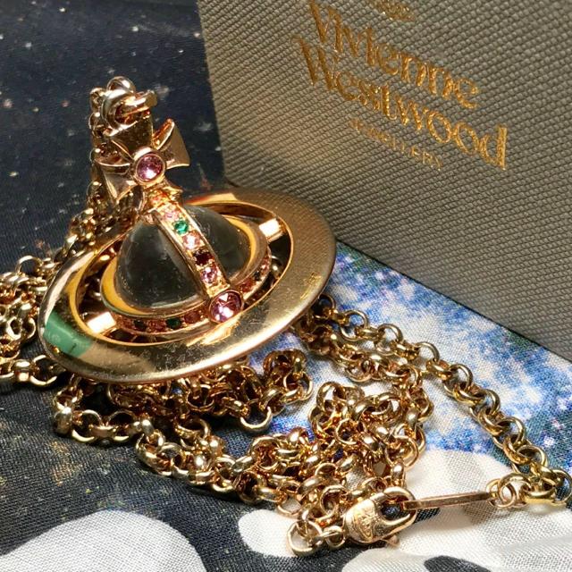 Vivienne Westwood(ヴィヴィアンウエストウッド)のヴィヴィアン ピンクゴールド ニュー スモール オーブ ネックレス レディースのアクセサリー(ネックレス)の商品写真